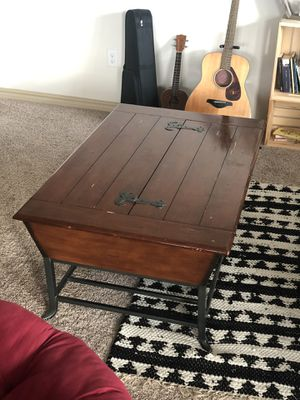 Vintage Coffee Table and End Table for Sale in San Antonio, TX