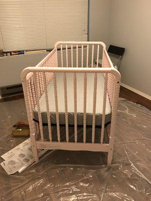 Davinci Jenny Lind Crib - blush pink for Sale in Everett, WA