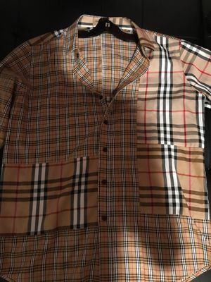 BURBERRY NEW LARGE for Sale in Tampa, FL