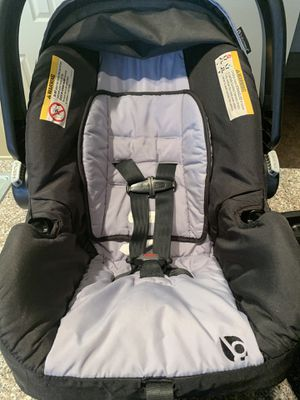 Baby Trend Ally Adjustable Comfortable Carry 35 Pound Infant Baby Car Seat and base for Sale in Midland, TX