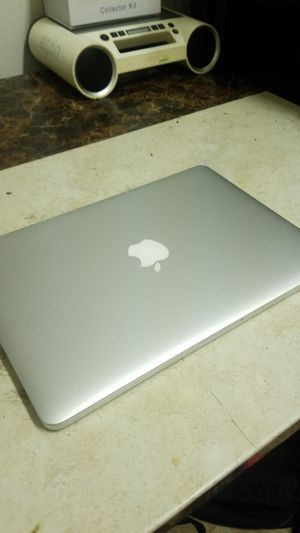 """2015 Macbook pro 13"""" 2.7ghz it, 8gb, 256gb, adobe master coll. Office, more! for Sale in San Leandro, CA"""