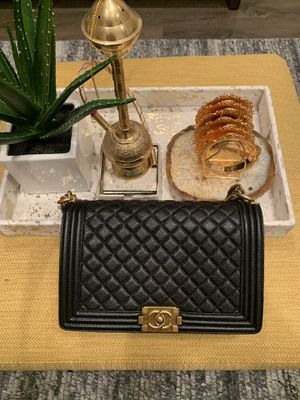 Chanel boy new medium bag MUST PICK UP TOMORROW!! for Sale in Boston, MA