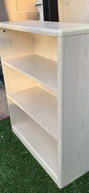 Book shelf small for Sale in Phoenix, AZ