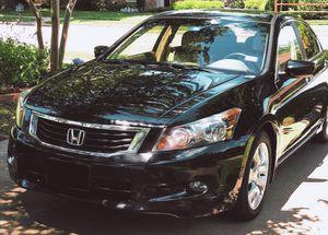 Price $8OO Owner of 2OO9 Honda Accord for Sale in Columbus, GA
