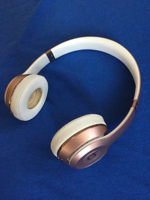 Beats Solo 3 Wireless(Negotiable) for Sale in Fresno, CA