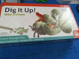 """Kids game grow your own animals """"Dig it up - wild animals"""" for Sale in North Miami Beach, FL"""