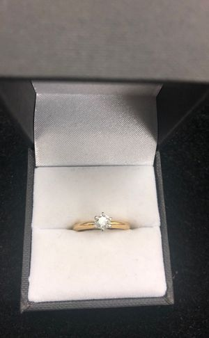 Diamond ring 14k yellow gold with platinum crown for Sale in Springfield, VA