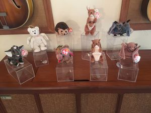 Still available! Beanie babies 8 beanie babies in all with tag protectors only Halo the bears tag is off but is included. for Sale in Spring Hill, FL