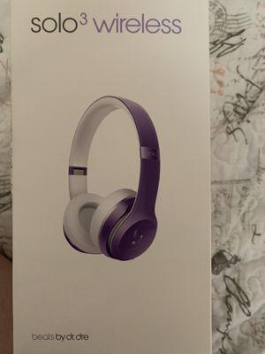 eats Beats Solo3 Wireless On-Ear Headphones - Ultra Violet for Sale in Santa Clara, CA