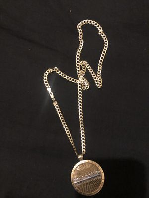 10k gold chain and charm 800 firm meet up or pick up only for Sale in Lakewood Township, NJ