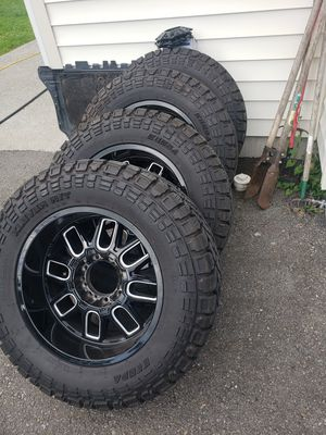 F350 wheels tires 35x12.50R20lt for Sale in Bonney Lake, WA