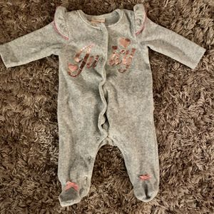 Juicy Couture Baby Clothes 0-3 Months for Sale in Austin, TX