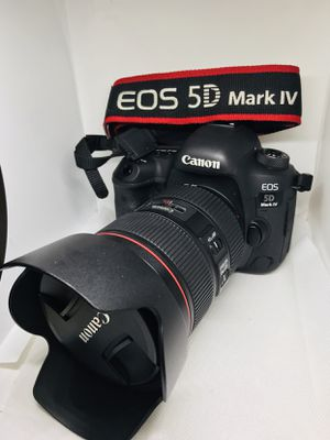 Canon 5D mark iv with a 24-105 mm lens for Sale in Bronx, NY