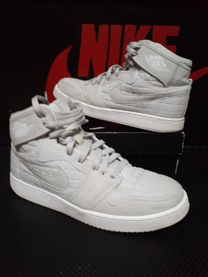 Nike Jordan 1 high quilt size10 for Sale in Brooklyn, OH