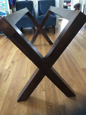 Wooden kitchen table base for Sale in Bellevue, WA
