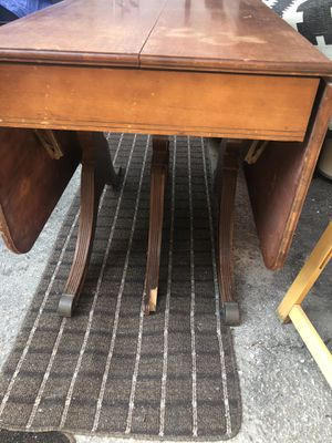 Antique I think Duncan Phyfe dining room table for Sale in Los Angeles, CA