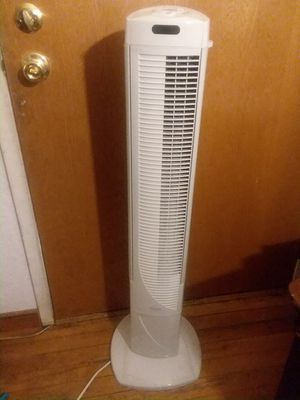 Tower fan large for Sale in SeaTac, WA