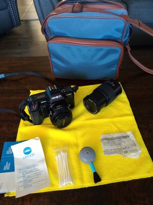 Minolta Camera, 35 mm, Auto Winder, 200 mm Zoom Lens, Camera Bag for Sale in Sun City, AZ
