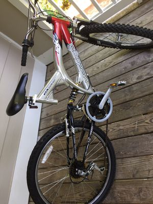 24inch mountain bike for Sale in Cary, NC