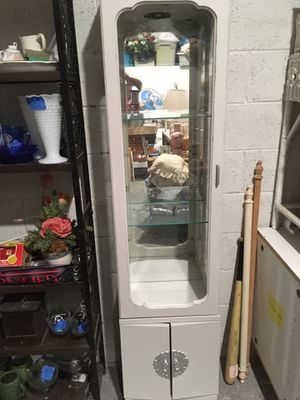Small 6 foot tall curio cabinet for Sale in Fairview, TN