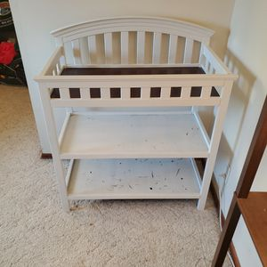 Free Baby Changing Table for Sale in Pomona, CA