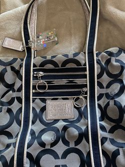 Large Coach Bag for Sale in Weymouth,  MA