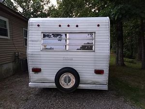 A 1980 camp trailer 20 ft long will take 2,000 for Sale in White Bluff, TN