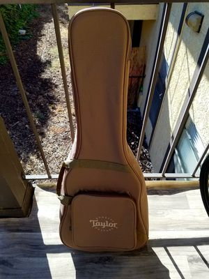 Taylor acoustic gig bag for Sale in Chula Vista, CA