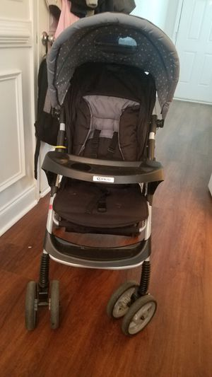 Stroller with matching car seat and base for Sale in Grovetown, GA