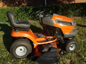 Husqvarna Riding Lawn mower for Sale in Watauga, TX