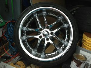 """18"""" chrome rims for Sale in Pittsburgh, PA"""