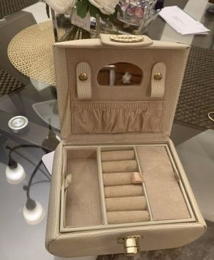 jewelry box for Sale in Chantilly, VA