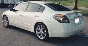 Runs good 2007 Nissan Altima Clean interior for Sale in Richmond, VA