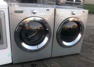 Frigidaire washer & electric dryer for Sale in San Leandro, CA