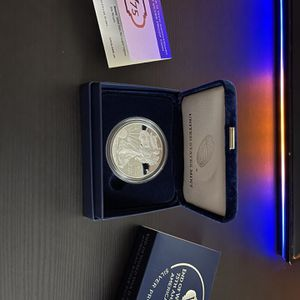 End Of World War II 75th Anniversary American Eagle Silver Coin for Sale in Norwalk, CA