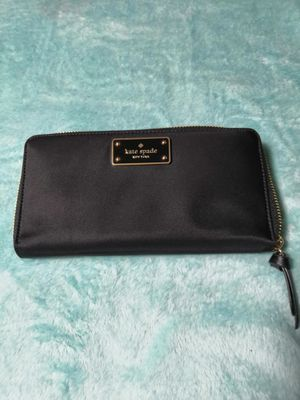 Black Kate Spade wallet in very good condition one use only for a low price of $ 70 for Sale in Los Angeles, CA