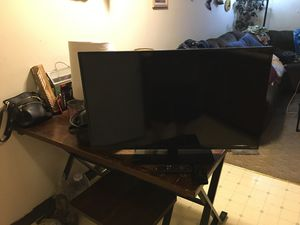 "32"" flat screen tv with Roku it's like brand new and works perfect...perfect for a bedroom as that's what we were using it but now we are moving and for Sale in Eureka, WI"