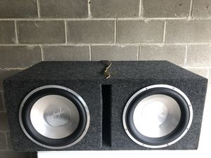 Alumapro subwoofer 2x12 in Box for Sale in Pittsburgh, PA