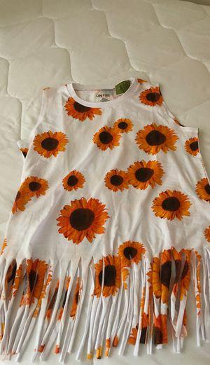 Sunflower fringe so cute for Sale in Las Vegas, NV
