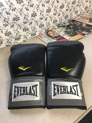 16oz ever last boxing gloves for Sale in Deal Island, MD