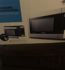 new samsung microwave with grilling element for Sale in Fresno,  CA