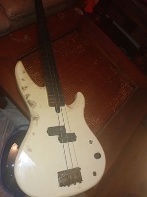 Yamaha bass for Sale in Pine Bluff, AR