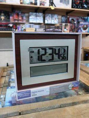 Atomic Digital Alarm Clock w/ Calendar & Temp in Cherry Finish for Sale in Mesa, AZ