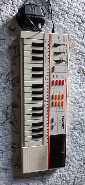 CasioPT82 keyboard for Sale in Prospect Heights, IL