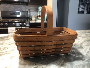Small Longaberger Basket for Sale in Sewickley, PA