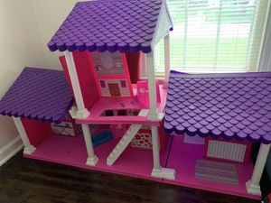 Doll house for Sale in Chester, VA