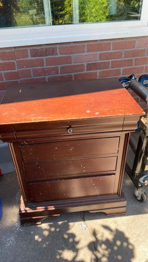 Wood night stand for free for Sale in Lynwood, CA