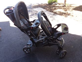 Baby trend Double stroller for Sale in Prineville,  OR