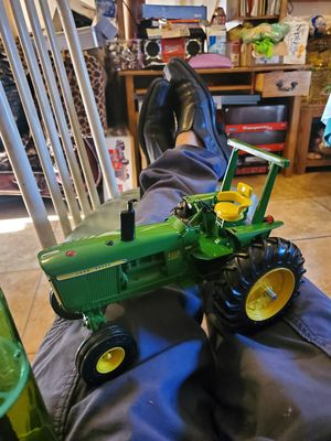 JOHN DEERE metal cast 1/16 for Sale in El Monte, CA