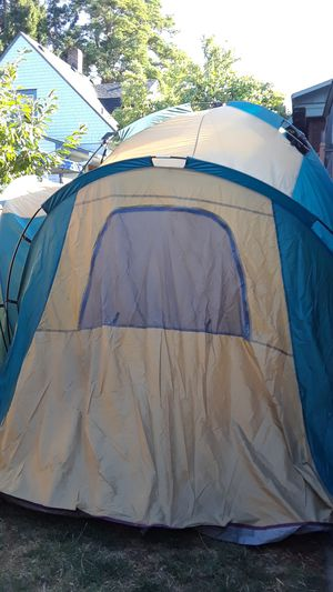 4 room tent for Sale in Tacoma, WA